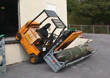 Bomber och granater!